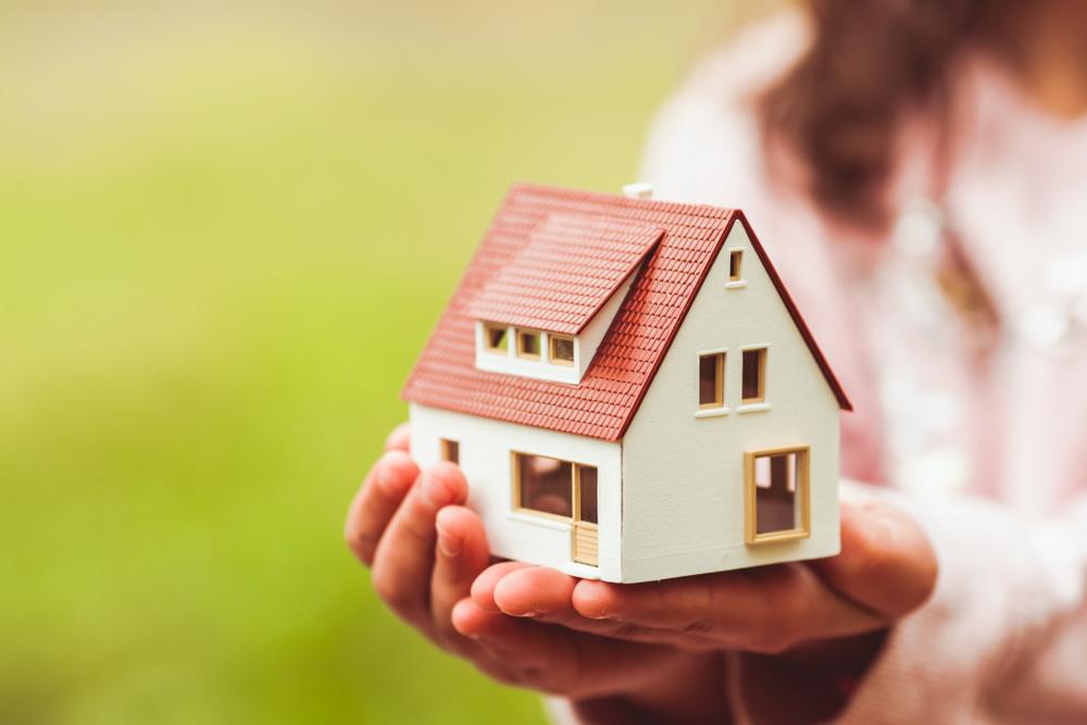 大切な我が家を売っても住み続ける方法「リースバック」とは