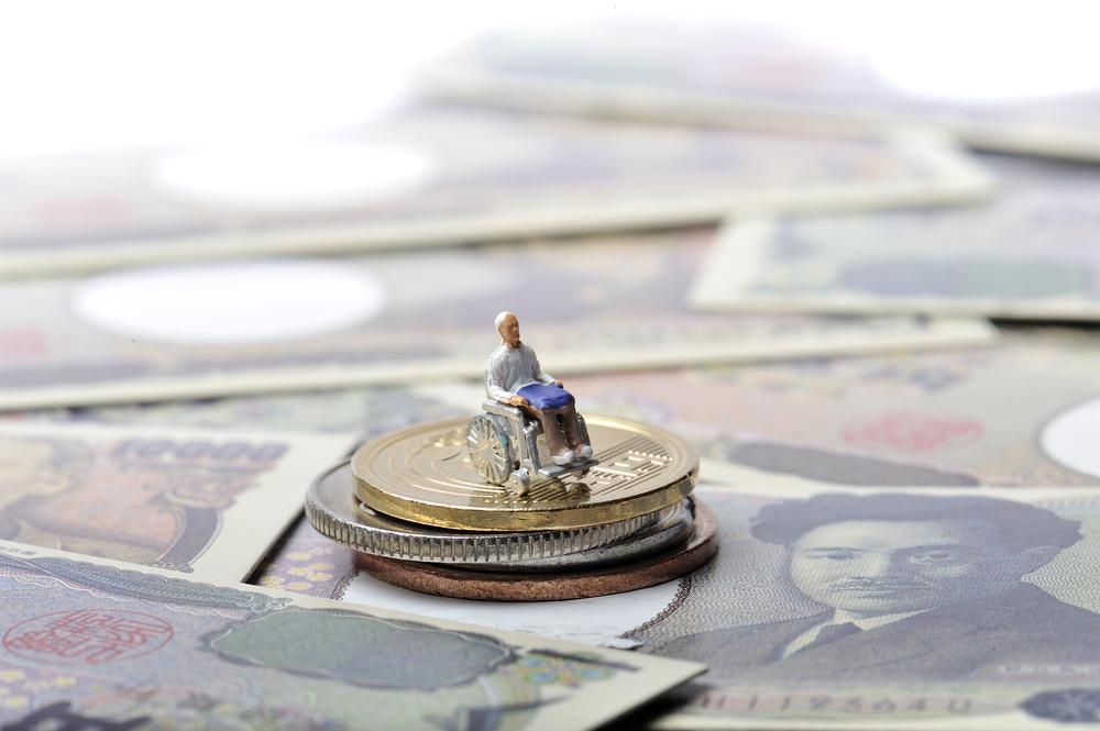 中高年の誰もが不安……老後破産の原因と対策について