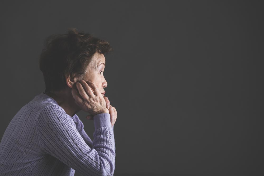 「退職金と年金だけでは不安…」老後の暮らしの問題